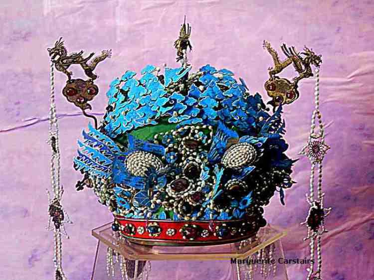 Empress Crown of blue