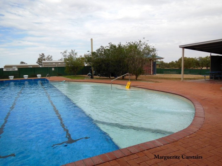 bedourie Pool