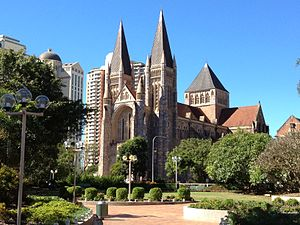 300px-View_St_John's_Cathedral,_Brisbane_052013