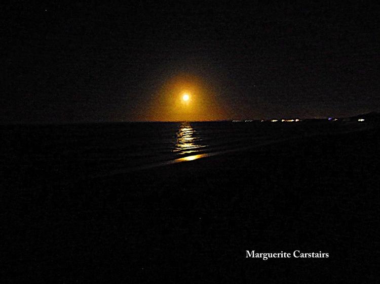 Monrise over the sea