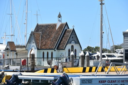http://boatcharterservices.com.au/floating-chapel-gold-coast-weddings-afloat.php