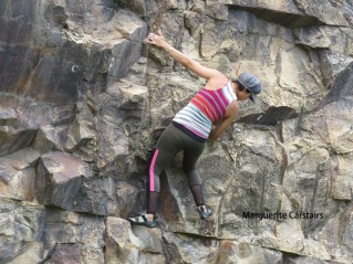 Climber alone with no protective gear